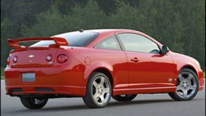 U.S. probes fuel leaks in GM's older Chevy Cobalt and HHR vehicles