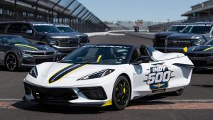 2021 Chevy Corvette Indy 500 pace car opens its top to the Indiana sky